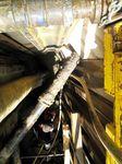 Für einen Kanalanschluss in 5 Metern Tiefe mit vielen Einbauten konnte kein herkömmlicher Bagger verwendet werden.