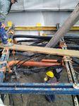 Sind im Boden bereits viele Einbauten vorhanden, ist der Saugbagger eine kostengünstige Alternative zu herkömmlichen Baggern oder Handarbeit.